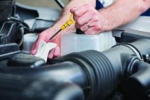 Обтирочные материалы должны хорошо впитывать влагу и другие загрязнения, не царапать поверхность и не оставлять ворса.